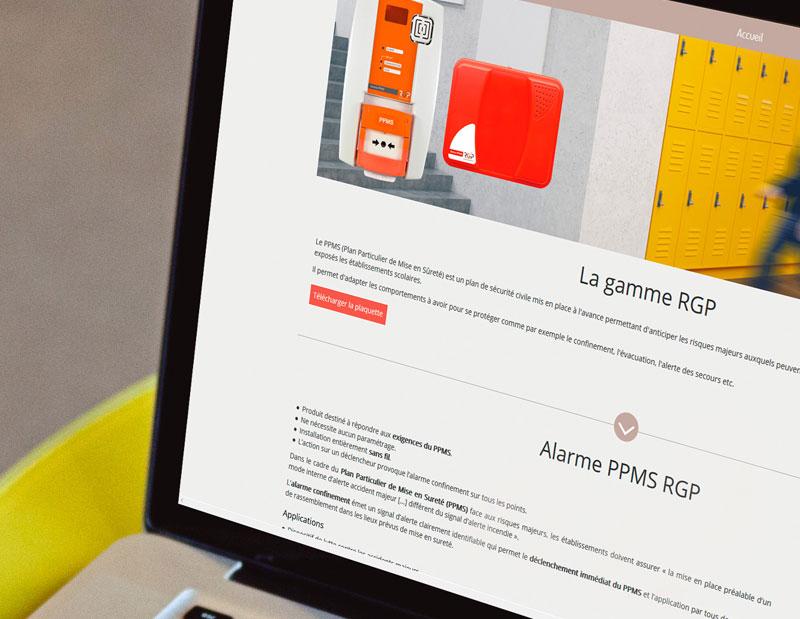 Création d'un microsite sur mesure en collaboration avec le designer graphiste de l'entreprise.